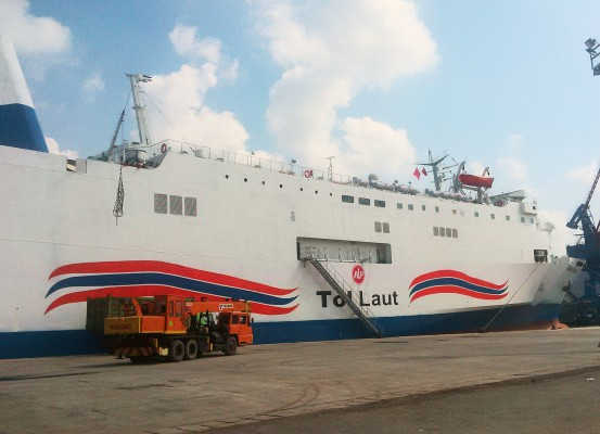 Kapal Ini Tertahan Di Pelabuhan Tanjung Priok